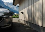 Suomalaista virtaa sähköautoiluun: Innohomen uusi aluevaltaus tuo markkinoille suomalaisen sähköauton latausaseman