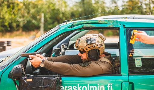 Varustelekan Finnish Brutality ammutaan kotimaisin voimin
