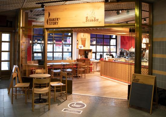 ensimmainen-bakers-story-kahvilan-on-perinteinen-brander-tampereen-rautatieaseman-liiketunnelista.jpg