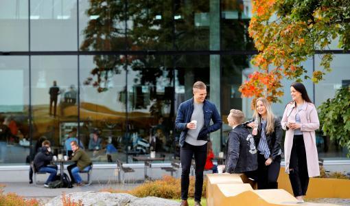 Vaasan yliopisto houkutteli ennätysmäärän myös tekniikan opiskelijoita – uusi lukuvuosi käynnistyy keskiviikkona