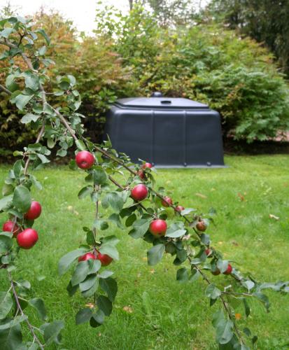 puutarhajate-kannattaa-kierrattaa-kompostoinnin-kautta..jpg