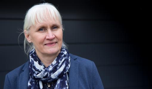 """Liiketoiminnan kehittämisen uusi professori Asta Salmi: """"Puurakentaminen on ympäristöteko"""""""