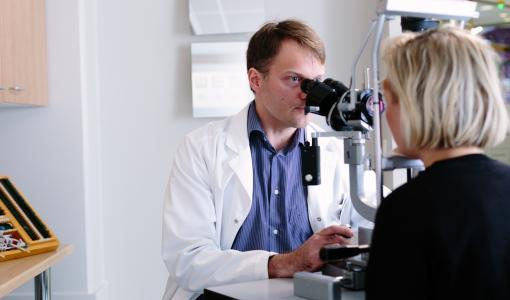 Lääkärin innovaatio tuo silmälääkärin etävastaanoton syrjäseuduille