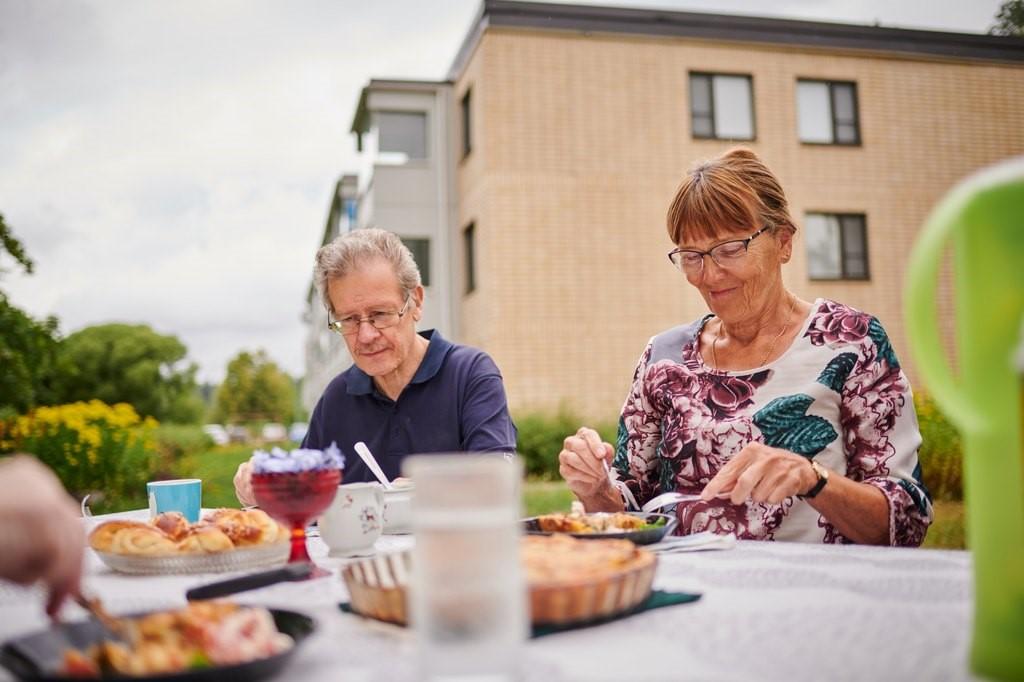 Kuntien on ennakoitava ikääntyvien asumistarpeet - Välimuotoista asumista on kehitettävä