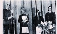 tampereen-ensimmaisten-elokuvajuhlien-palkintojenjakoa_1970-kuvaaja-k.melakoski_2-1.jpg