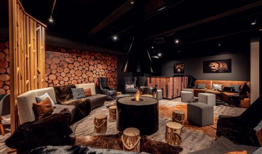 Karhunpesä Restaurant & Bar avaa ovensa Hotel Sveitsissä