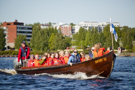 riverboat-cruise-river-kemijoki-lapland-safaris-rovaniemi-7.jpg
