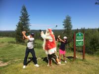 santa-claus-golf-in-rovaniemi-lapland-finland-yashinobu-tsukada-and-mina-nakayama-1.jpg