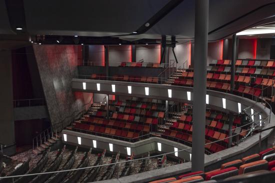 main_theater_1.jpg