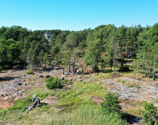 talkoolaisia-katanpaan-linnakesaarella_copyright_meelis-linnamagi_metsahallitus.jpg