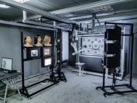 kuva-sofican-oneplus-taiwanille-toimittamat-automaattinen-testitaulu-ja-kuvausrobotti-pelaavat-hyvin-yhteen-asiakkaan-oman-kasvontunnistuksen-hiomiseen-tehdyn-testausaseman-kanssa-sofican-smart-lab-enginen-ohjaamina.jpg
