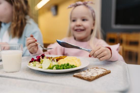 ruokahetki-vuoreksen-koulussa.jpg
