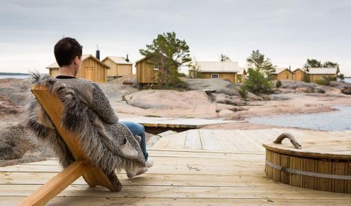 Uusi tanskalaistyylinen rantahotelli, erakkomökkejä ja maaseutuhotelli — Ahvenanmaalta löytyy persoonallista majoitusta joka makuun