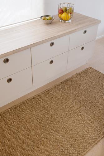 1-3-9-5-interior-natural-plain-hemp-rug.jpg