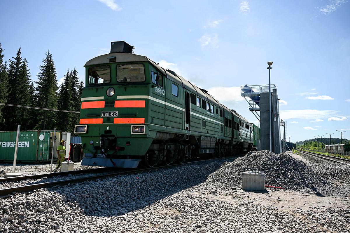 Juna uudella raiteella Imatralla