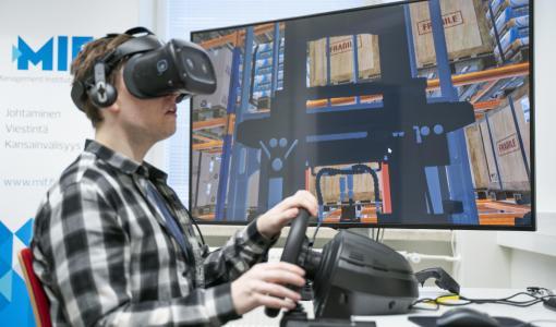 Trukkikortin koulutus muuttui virtuaaliseksi
