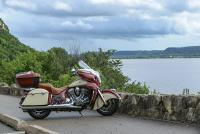 roadmaster-red-cream-action6.jpg