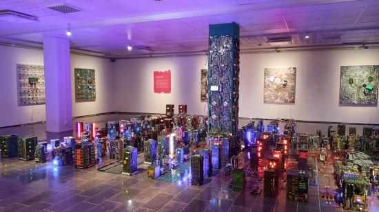 the-nemeis-machine-jarvenpaan-taidemuseolla.jpg