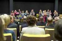 fame-musikaalin-esiintyjat-toivat-opiskelijoiden-raikkaan-tuulahduksen-juhlaan.jpg
