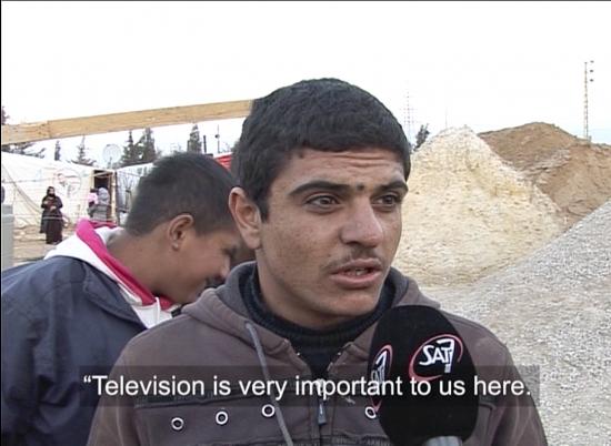pakolaisleirilla-on-aikaa-katsoa-televisiota.jpg