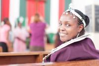 tansania_opettaja-miriam-mashauri-laulaa-loruvanikuorossa_lasse-lampinen.jpg