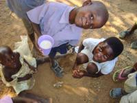 zimbabwe_isoaitien-aids-hanke_lisisterance-unozivashe-ja-retabile_raija-hurskainen.jpg