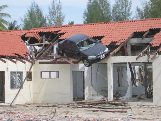 thamaa-tsunamin-jalkia-khao-lakin-lahelta-kuva-tero-norjanen.jpg