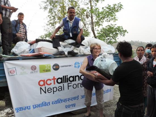 nepal-maria-westerling-jakaa-avustuksia.jpg