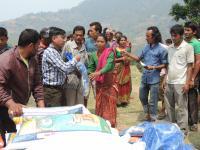 nepal-sahas-jakaa-avustusta-dhadingissa.jpg