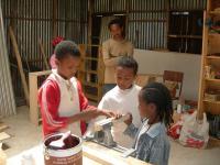 etiopia_toimintakeskuksessa-lapset-oppivat-hyodyllisia-taitoja_kuva-matti-nummela.jpg
