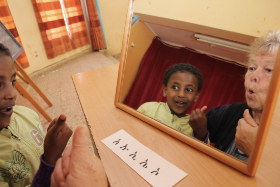 etiopia_mirja_himanen_opettaa_esikoulua_kayvaa_betlehem_mesfinia-kuva-sari-lehtela.jpg