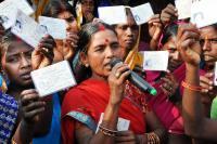 nepal-dalitnaiset-saivat-henkilokortit-kuva-joanna-linden-montes.jpg