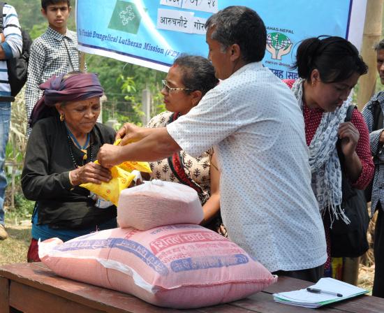 nepal-gyan-maya-bishwokorma-saa-avustusta-sahasilta.jpg