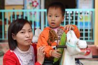 vietnam-paivakodin-opettaja-nguyen-thi-minh-phuong-ja-hoang-xuan-quyet.jpg