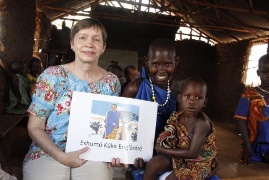 tansania_-esikoulu-eka-kirja_kuva-marjatta-kosonen.jpg