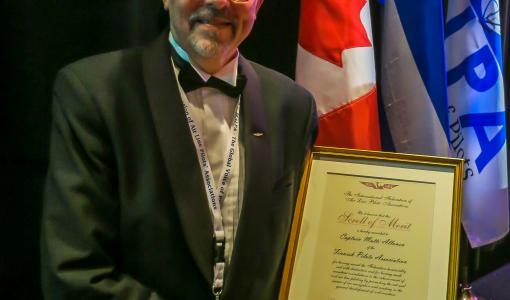 Kansainvälinen lentäjäliitto antoi merkittävän tunnustuksen suomalaiselle lentokapteenille