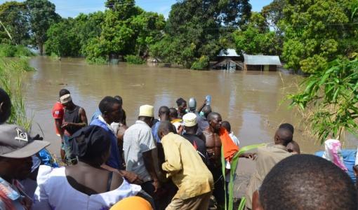 Espoon seurakunnilta 20 000 euroa katastrofiapua Tansaniaan tulvien uhreille