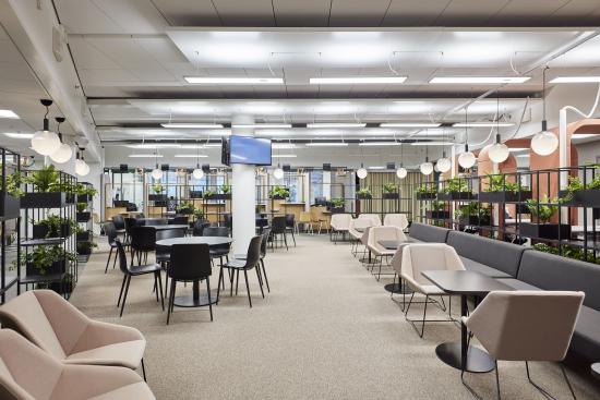 k6-toimistorakennuksen-modernit-tilat-mahdollistavat-nykyaikaiset-joustavat-tyoskentelymuodot.-kuva-mikael-linden_high-res_highres.jpg