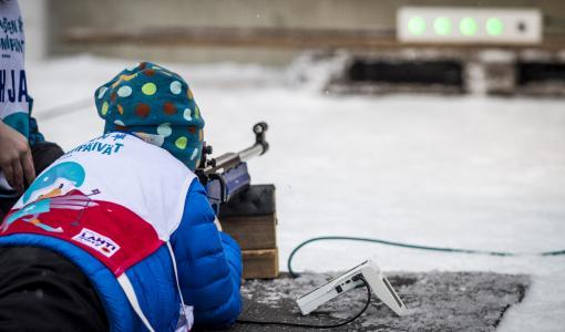 Suomen Lumilajit Liikuttavat -nuorisoprojekti on valittu maailman parhaaksi FIS kongressissa