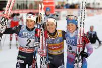 naiset_podium.jpg