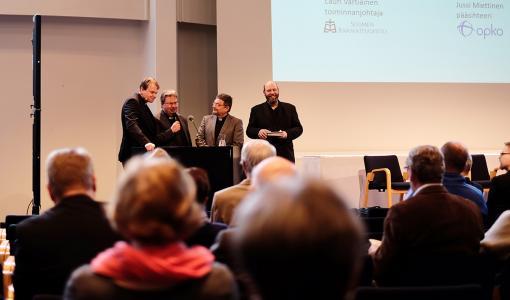 Kirkkokansan Raamattupäivä Finlandia-talossa alkoi järjestöjohtajien terveisillä ja rukouksella