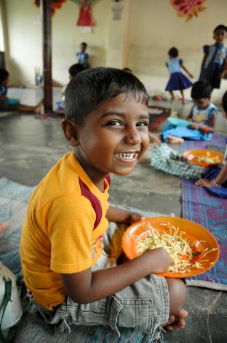 riisikulho-lahjalla-parannetaan-perheiden-viljelymahdollisuuksia.jpg