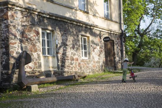 ehrensvard-museo_dorit-salutskij.jpg
