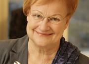 Esteettömyys on osa ihmisoikeuksia ja demokratiaa – Presidentti Tarja Halonen toimii Kuuloliiton esteettömyyden teemavuoden suojelijana