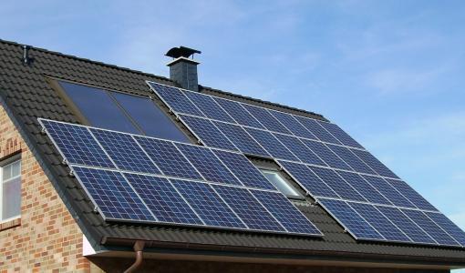 Kiinteistöjen aurinkosähkön mitoituksessa tehdään usein virheitä