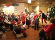 Coronarian lahja 90-vuotiaalle Posiolle — koko kunnalle yhteinen joulujuhla ja lahjoitus hyväntekeväisyyteen