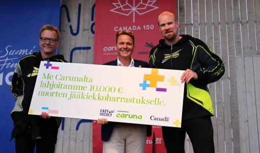 Caruna tukee 10 000 eurolla nuorten matalan kynnyksen jääkiekkoharrastamista