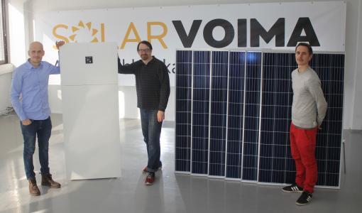 Caruna ja Solarvoima sähköistävät kesämökit