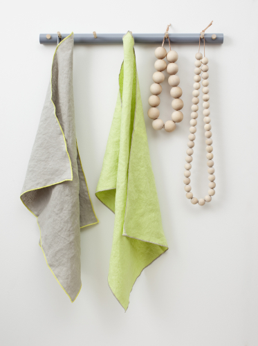 verso-design-leija-kitchen-towels-linen-and-green-3666x4917.jpg