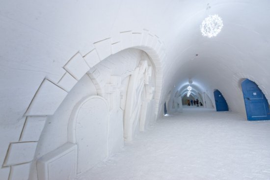 gallery-corridor.jpg